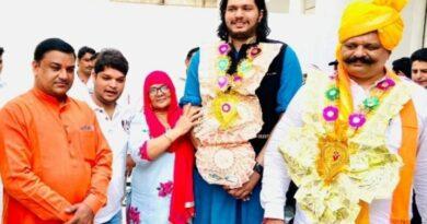 राजा कुंवर प्रणव सिंह चैंपियन का ग्रेटर नोएडा में स्वागत।